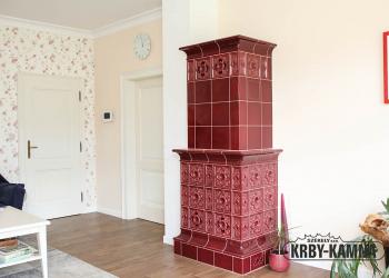 Horkovzdušný kachlový krb - sloupová kamna, část do obývacího pokoje, kachle Hein, topeniště Hoxter